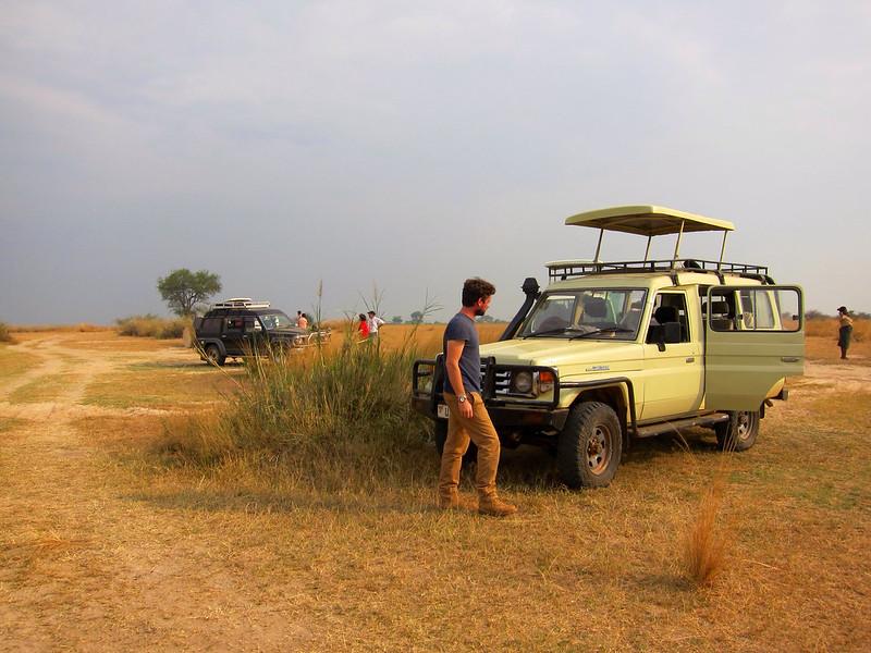 safari company uganda